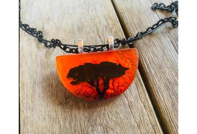 Creating Depth & Drama in Fused Glass Jewelry: Part 1: Encasing Images & Glowing Backgrounds w/ Tanya Veit
